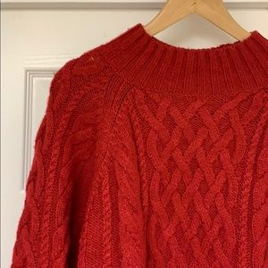 GAP. Cable Knit Sweater. Size L